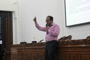 """""""Comparative Management Accounting Practices: UK/USA vs. GERMANY vs. JAPAN"""" International General Lecture"""